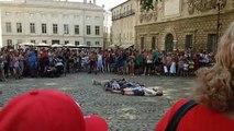 Avignon : il réalise salto au-dessus de onze de personnes