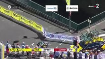 Tour de France 2019 : le Belge Wout van Aert chute violemment dans le contre-la-montre