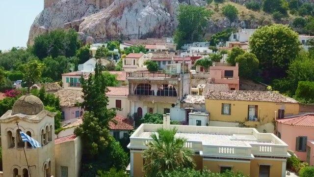 Strong Earthquake Rocks Athens Greece