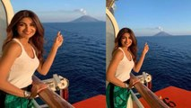 Shilpa Shetty shares her excitement to see a live volcano in italy   FilmiBeat
