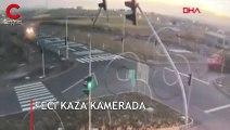 1 kişinin öldüğü, 5 kişinin yaralandığı korkunç kaza anı kamerada