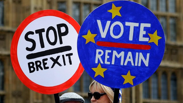 Thousands of anti-Brexit demonstrators rally in London