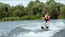 Club de ski nautique de Pont-à-Mousson :  Justine et Robin font leur baptême de ski sur la Moselle
