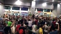 Heurts entre supporters algériens et policiers à l'aéroport du Caire