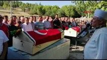 MANİSA Alaşehir'de gölette boğulan ikizler son yolculuklarına yan yana uğurlandı-EK