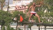 La cucaña regresa al Guadalquivir en la Velá de Santiago y Santa Ana