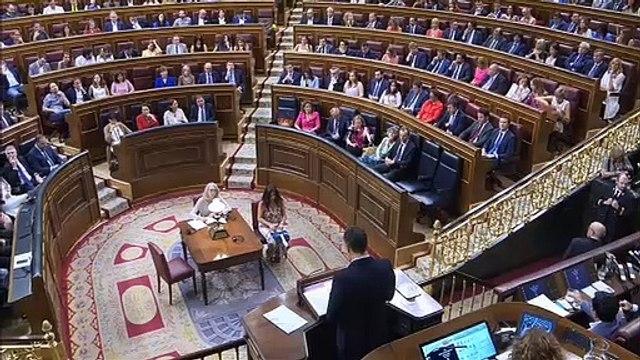 """Las 10 reformas propuestas por Sánchez: más impuestos, persecución de la """"violencia machista"""" e investidura express"""