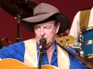 Slim Dusty - Walk A Country Mile