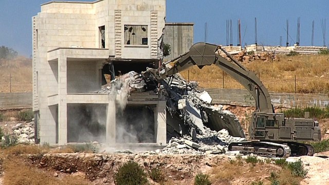 West Bank demolitions: Palestinian homes near fence destroyed