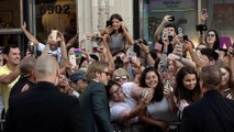 """Brad Pitt Greeting Fans """"Once Upon a Time in Hollywood"""" World Premiere.jpg"""