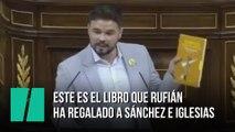 Gabriel Rufián regala a Sánchez e Iglesias este simbólico libro de cuentos