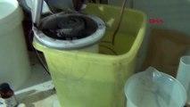 Kaçak alkollü içki imalathanesine baskın