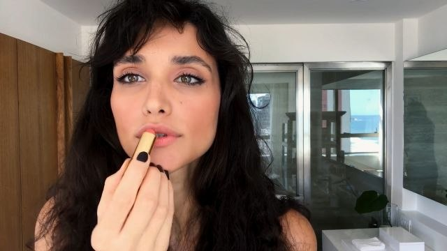 Watch Débora Nascimento Do Effortless Date Night Beauty