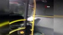 Burhaniye metrobüs durağında iki metrobüs çarpıştı