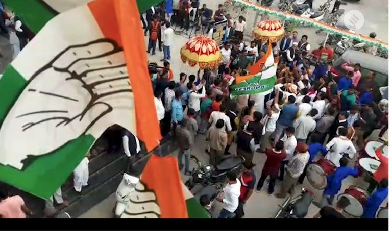 Congress workers in celebration mode as the party wins Chhattisgarh | Decision 2018