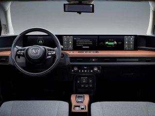 Un tableau de bord panoramique à 5 écrans pour la Honda e !
