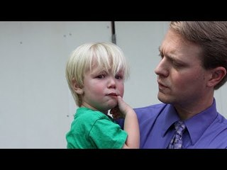 Este pai dá ao filho enfurecido uma lição de vida.