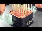 Comment faire les brochettes les plus stylées pour le barbecue dans 2 moules de cuisson.