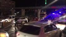 Şanlıurfa'da bariyerlere çarpan otomobildeki 4 kişi yaralandı