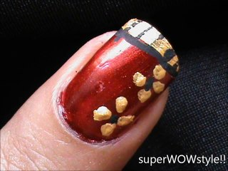 Side Golden Flowers - For easy Nail Art Designs