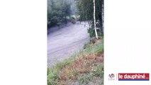 Le torrent de l'Arbonne en crue : la route est fermée