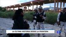 Una madre y su hijo de seis años intentan pasar  la frontera de México a Estados Unidos sin éxito