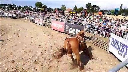 Rodéo sur cheval à Simard pour la fête de l'agriculture