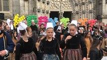Le flash mob des enfants au Festival de Cornouaille