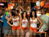 Hooters Celebrates 25 Years of Food and Fun