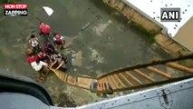 Inde : Des passagers d'un train secourus par des hélicoptères à cause de la mousson (Vidéo)