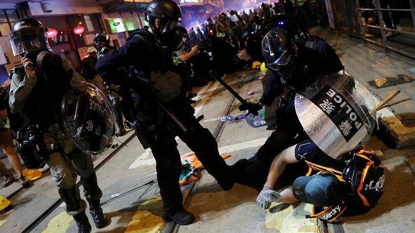 Hong Kong : affrontements près du Bureau de liaison chinois