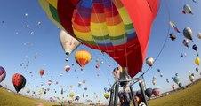 Le ballet des mongolfières au départ de la grande ligne du Mondial Air Ballons