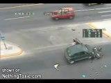 Accident violent Moto/Voiture le motard est fou A VOIR