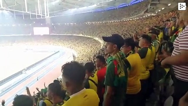 The greatest Viking applause resonates in a Malaysian stadium with more than 83,500 football fans