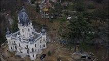 Aix-les-Bains : le château de la Roche du Roi vu du ciel