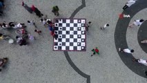Gaziosmanpaşa'da sınava giren öğrenciler piknik şöleninde stres attı