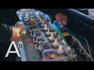 Oficios de la memoria: el luthier de los sintetizadores