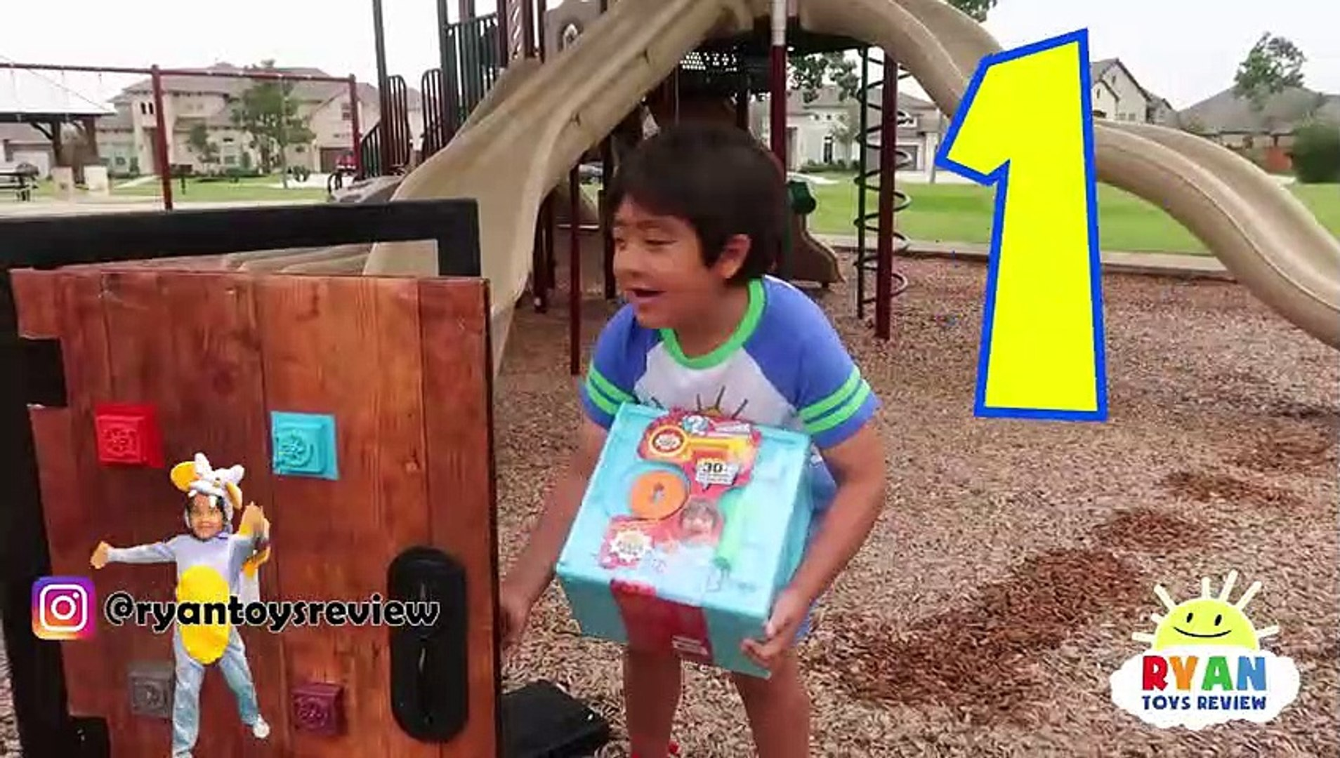 Ryan Toysreview Roblox Jailbreak - Ryan Found A Secret Door From His Room To The Playground
