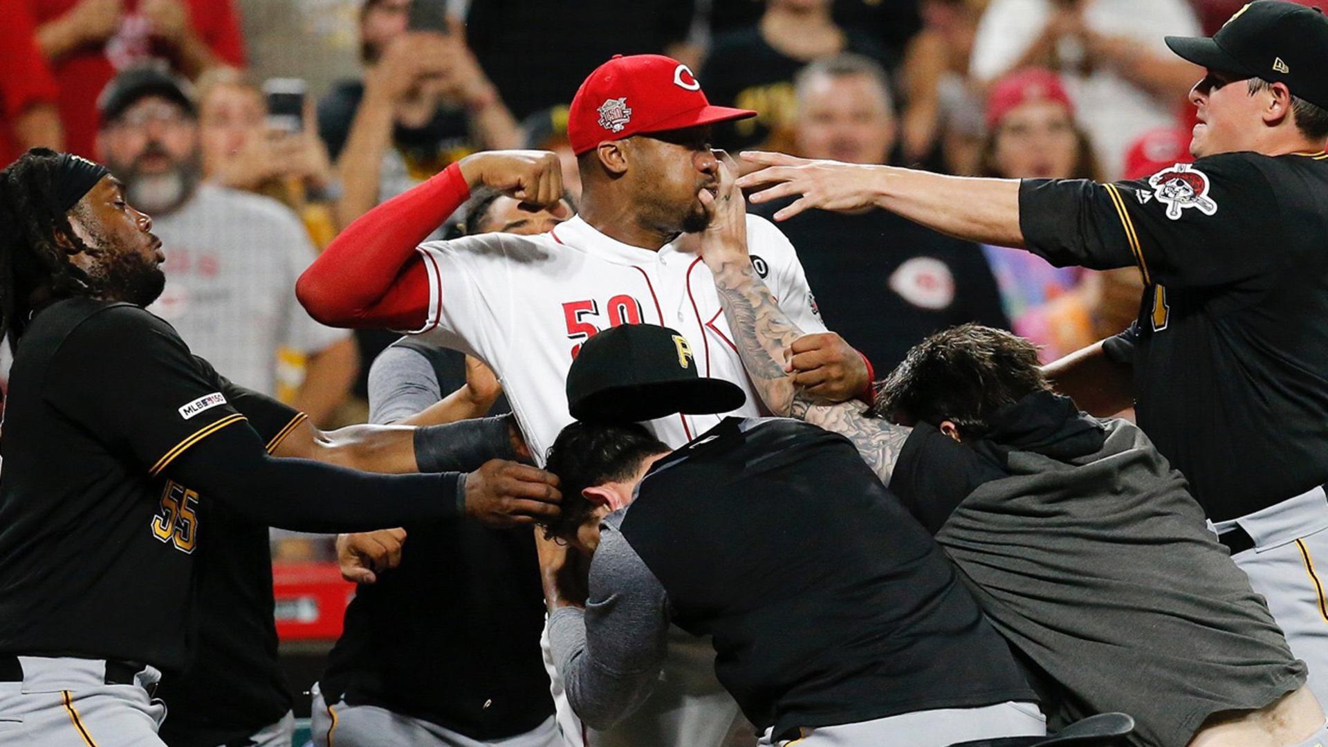 Reds Amir Garrett Fights ENTIRE Pirates Team In INSANE Bench Clearing BRAWL!