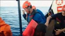"""Le navire """"Alan Kurdi"""" bloqué au large de Lampedusa"""