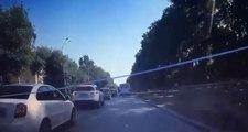 Un petit accrochage provoque un enchaînement de collisions entre cinq voitures !