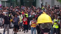 La policía de Hong Kong lanza gas contra manifestantes que desafiaron a China
