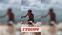 Quand Yannick Noah pêche un poisson... à mains nues - Tennis - WTF