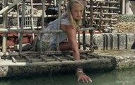 【八号电影馆】女孩拥有超能力,把手伸进水里,上百头鲨鱼听命于她