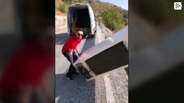 The young man who threw the fridge in Almería picks it up regretfully