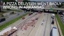 Un camion transportant des pizzas pepperoni se renverse sur l'autoroute
