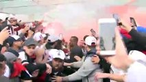 Sao Paulo fans welcome new signing Dani Alves at airport