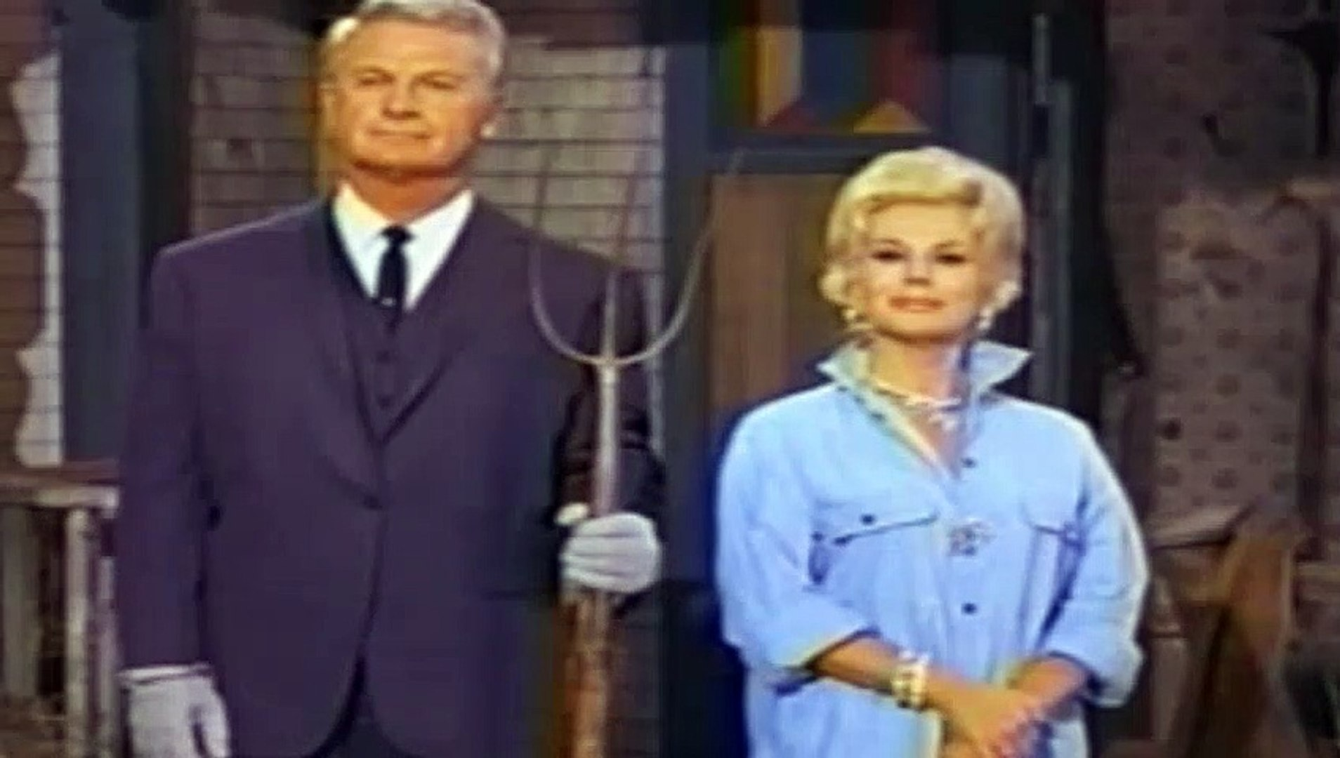 Green Acres  – SE1 – Ep1 – Oliver Buys a Farm