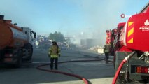 Sefaköy'de atık deposunda yangın çıktı, gökyüzünü dumanlar kapladı