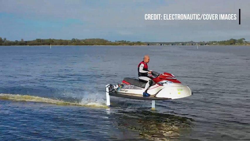 Voici le premier jet-ski électrique hydroptère qui lévite au-dessus de l'eau